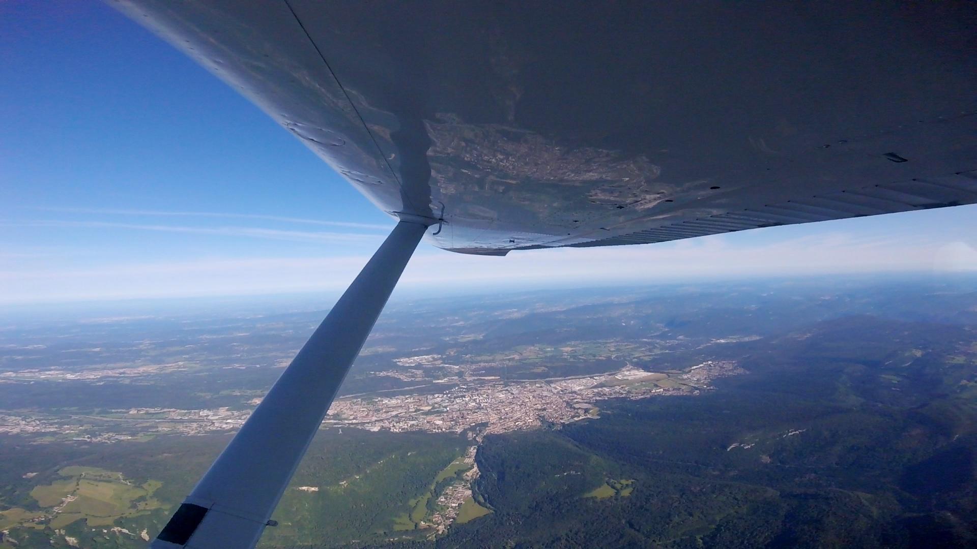 vue de l'avion saut en parachute